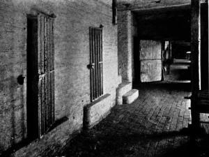 046b-Prison-Cells-bg-q75-500x375